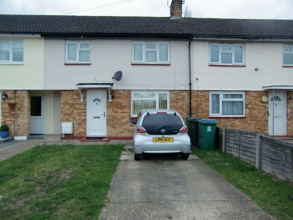 3 Bedrooms Terraced House for sale in Whitwell Road, Watford, Herts