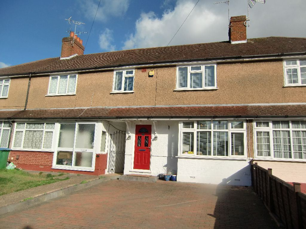 3 Bedrooms Terraced House for sale in Fern Way, Watford, Herts