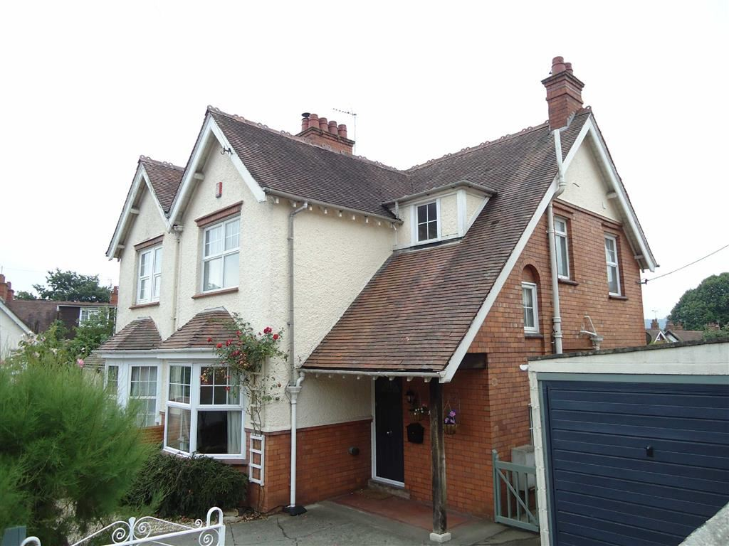 Garden Suburb, Dursley, GL11