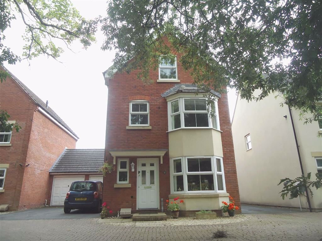 Brownings Lane, Dursley, GL11