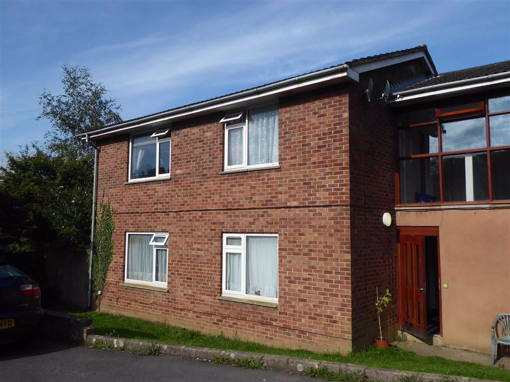 Maple Close, Dursley, GL11