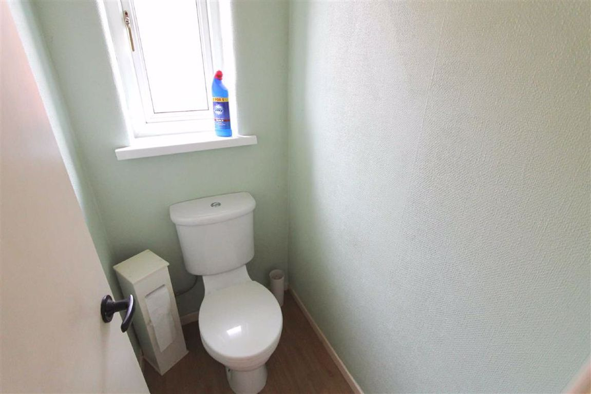3 Bedroom Semi-detached House For Sale - Image 12