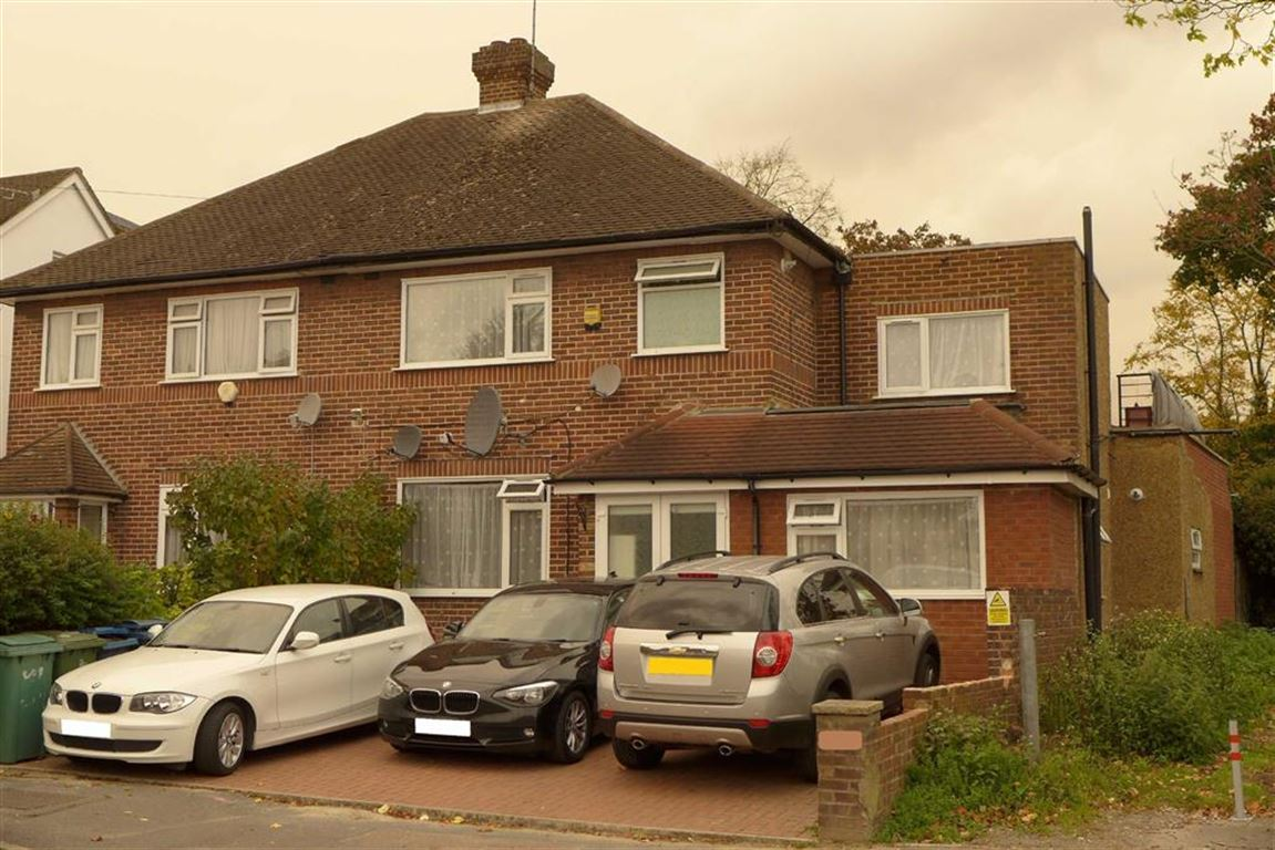 6 Bedrooms Semi Detached House for sale in Kingshill Drive, Harrow, Middlesex