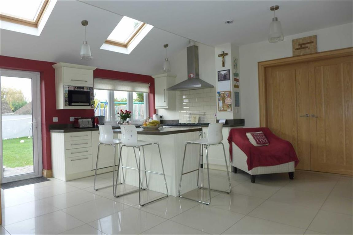 6 Bedrooms Semi Detached House for sale in College Hill Road, Harrow Weald, Middlesex