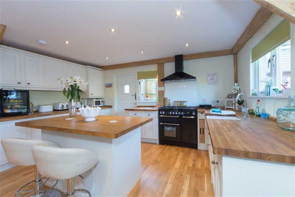 3 Bedrooms Property for sale in Hardinge Place, Toddington