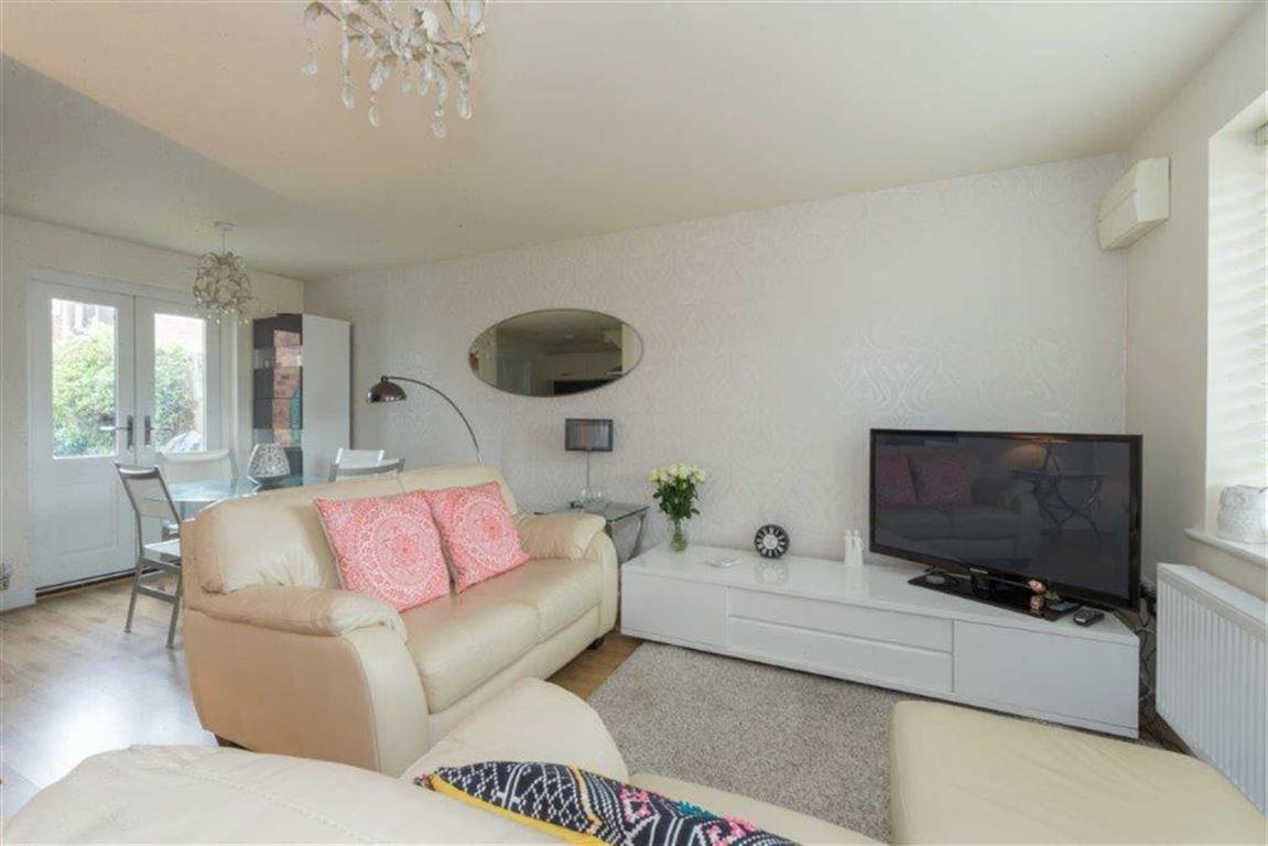 2 Bedrooms Semi Detached House for sale in Hardinge Place, Toddington