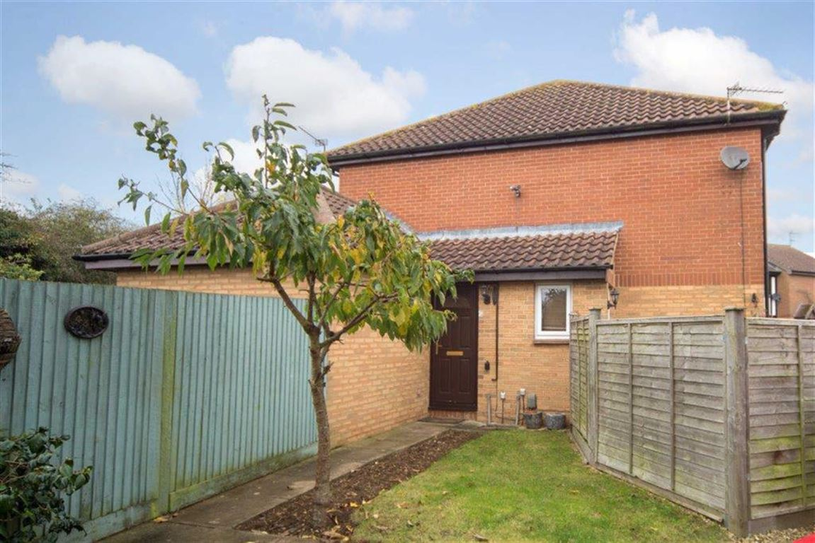 1 Bedroom End Of Terrace House for sale in Bryant Way, Toddington