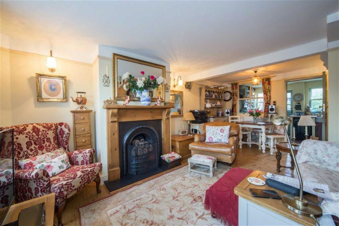 2 Bedrooms Terraced House for sale in Leighton Road, Toddington