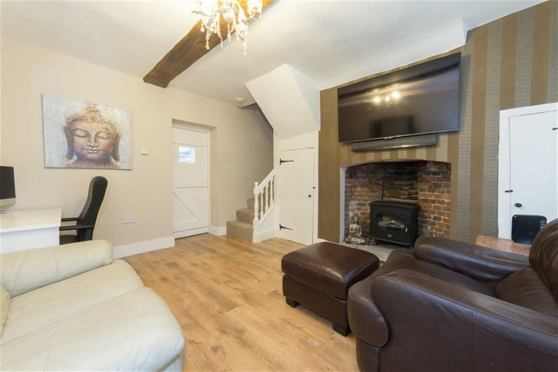 2 Bedrooms End Of Terrace House for sale in Jane Carts Almshouses, High Street South, Dunstable, Bedfordshire, LU6