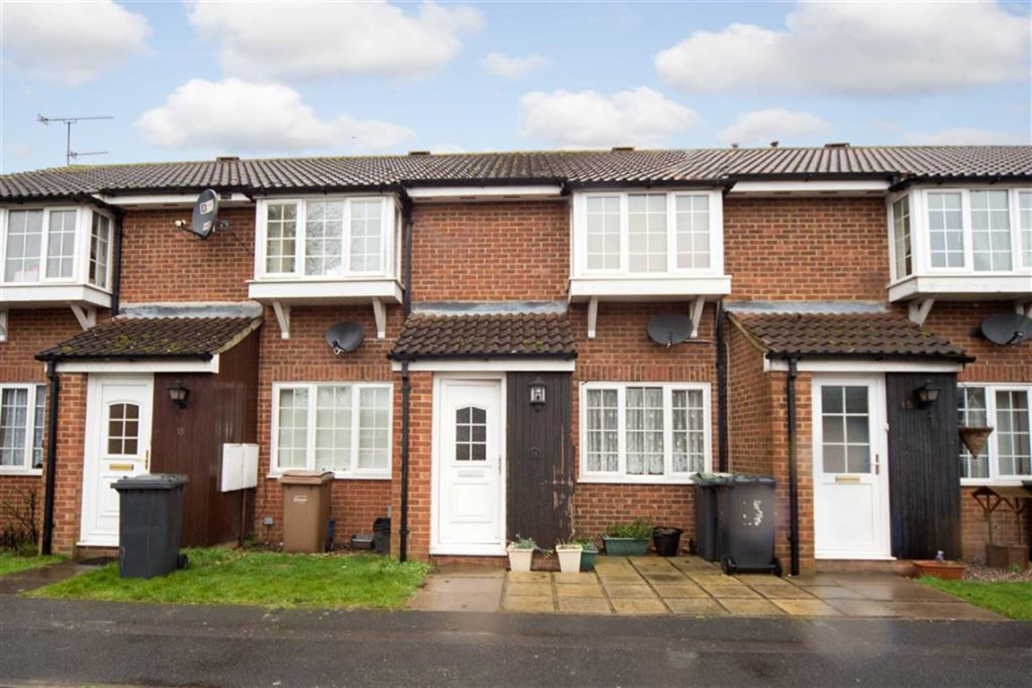 2 Bedrooms Terraced House for sale in Malham Close, Luton