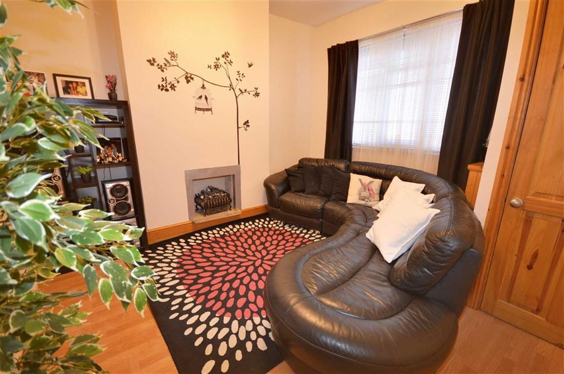 2 Bedrooms Property for sale in Adeline Street, Goole, DN14