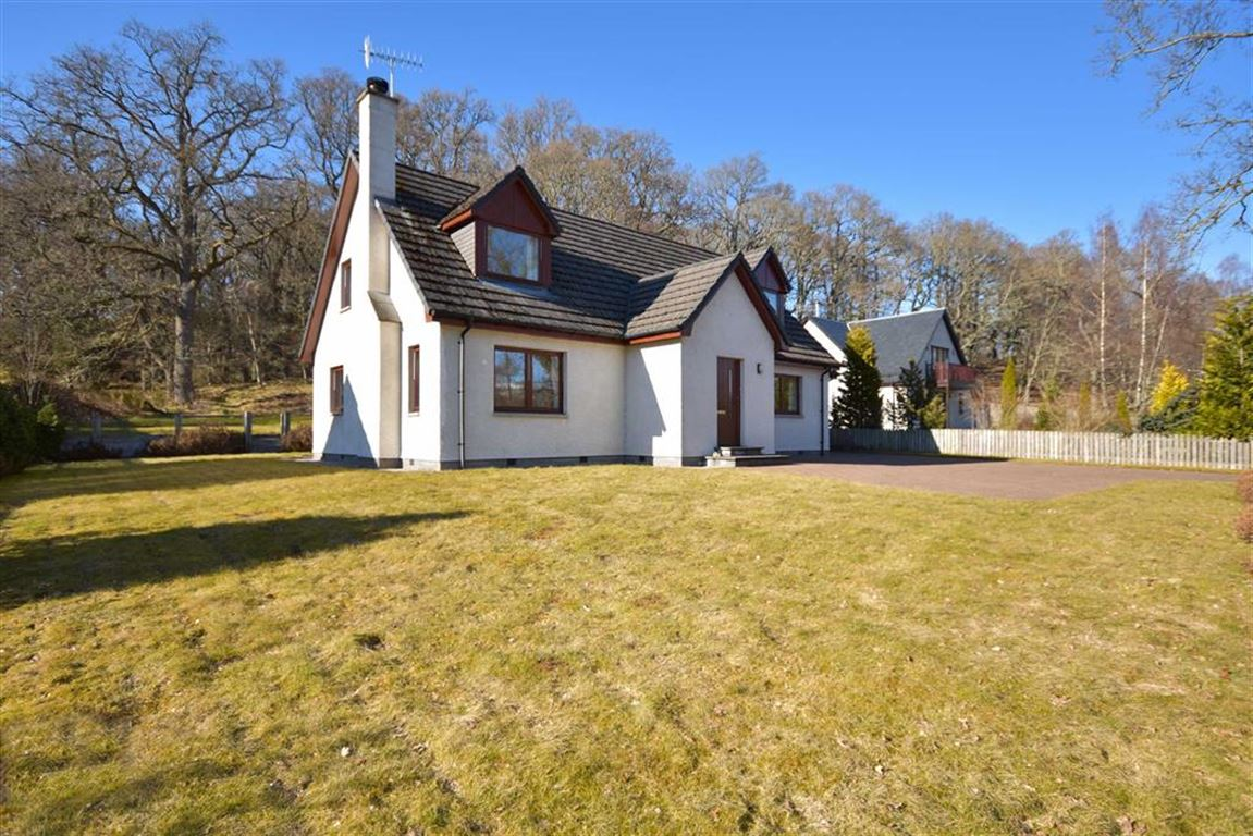 Oak Cottage, 3 Braeriach Road, Kincraig
