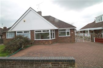 Property in Madginford Road, Bearsted, Maidstone, Kent, ME15 8ND