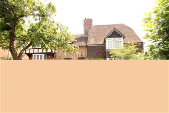 Property in Upper Street, Hollingbourne, Kent, ME17 1UH