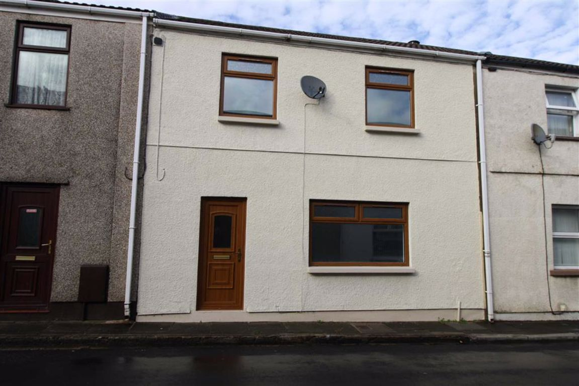 26 Bwllfa Road, Cwmdare, Aberdare, Mid Glamorgan