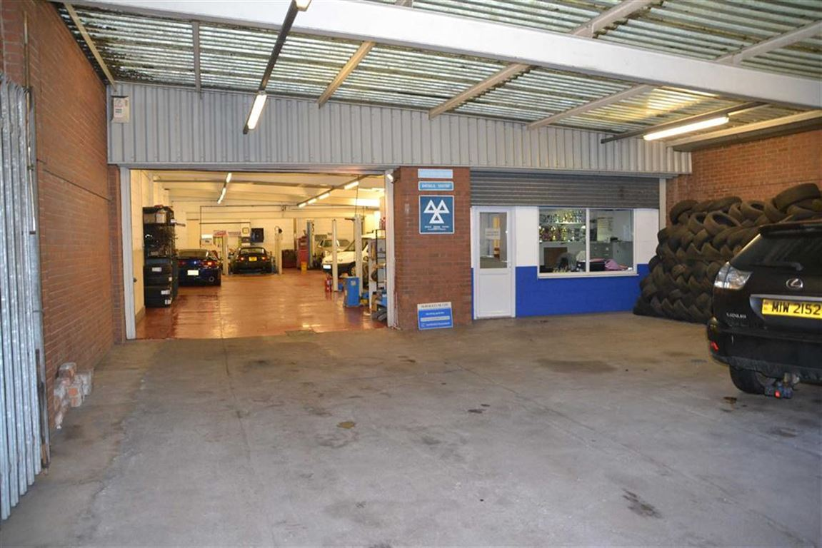 Servicetune Ltd, 166 St Georges Road, Hull, East Yorkshire, HU3 3QE