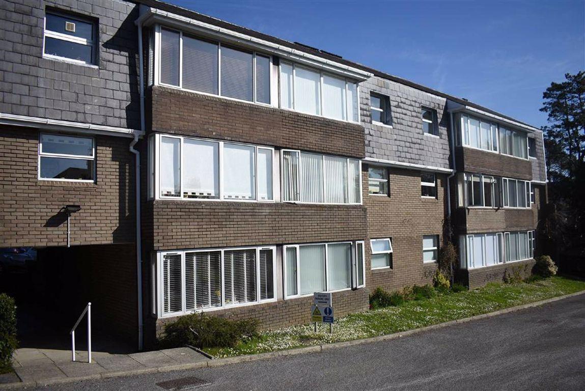 Gilbertscliffe, Langland, Langland Swansea