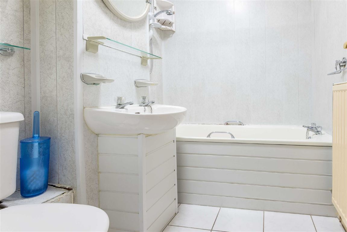 Flat for sale in Dundee | 48f Cleghorn Street | Thorntons Property ...