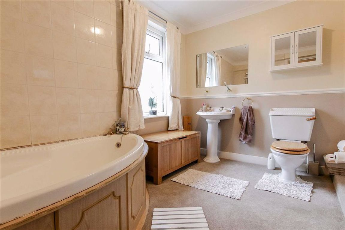 3 Bedroom Terraced House For Sale - Image 6