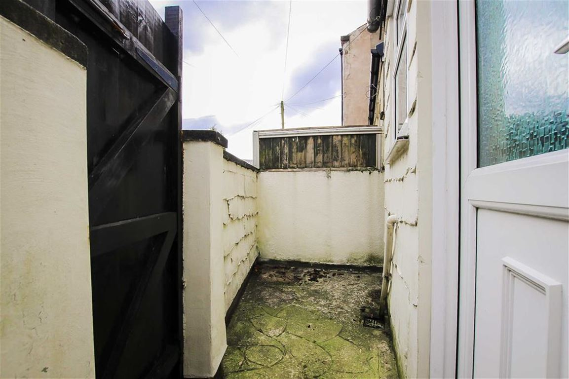 2 Bedroom Terraced House For Sale - Image 13