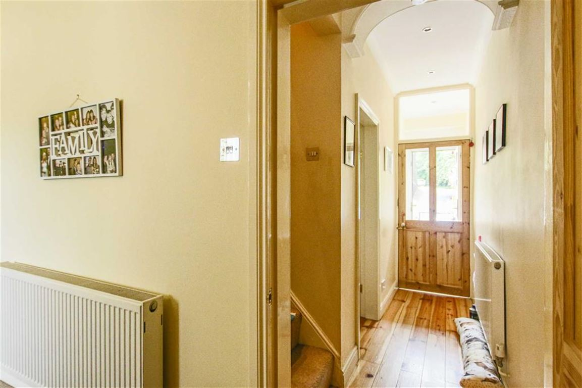 2 Bedroom Terraced House For Sale - Image 11