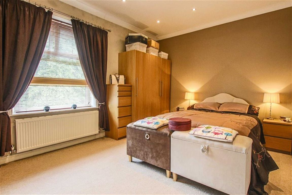 2 Bedroom Terraced House For Sale - Image 8