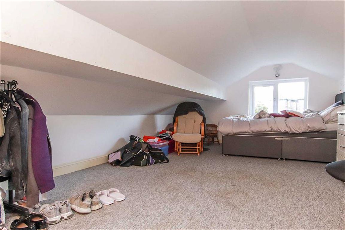 4 Bedroom Dormer Detached Bungalow For Sale - Image 14