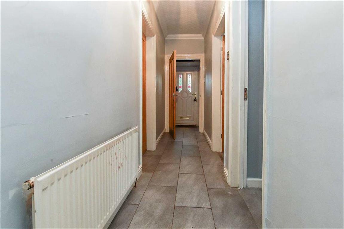 4 Bedroom Dormer Detached Bungalow For Sale - Image 15