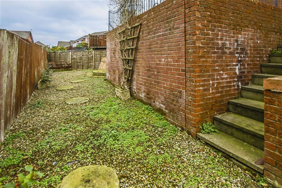 3 Bedroom Semi-detached House For Sale - Image 23