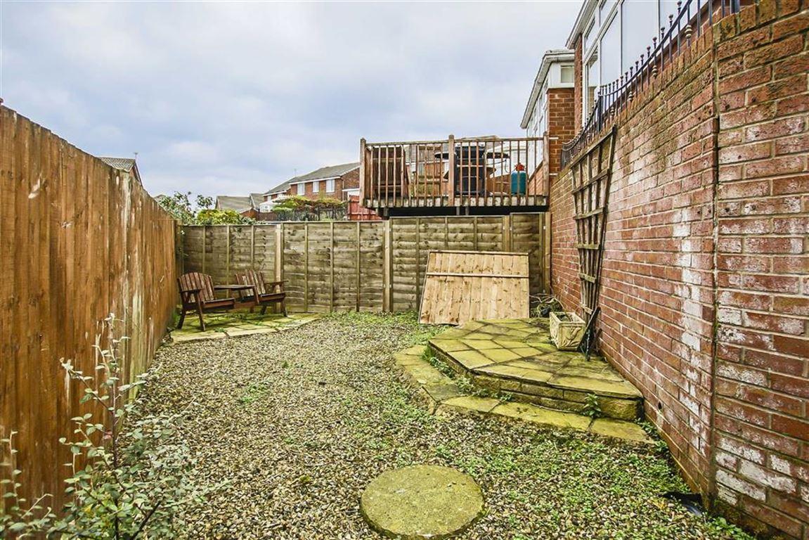 3 Bedroom Semi-detached House For Sale - Image 25