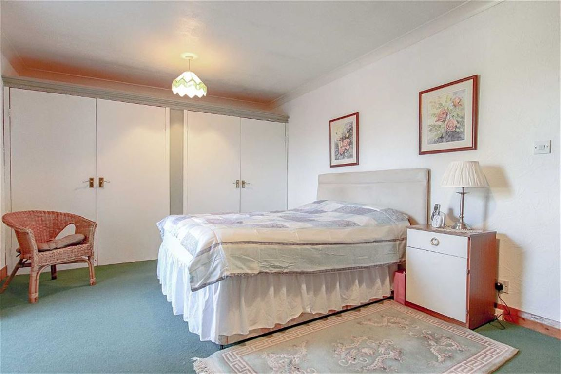 4 Bedroom Coach House For Sale - Image 7