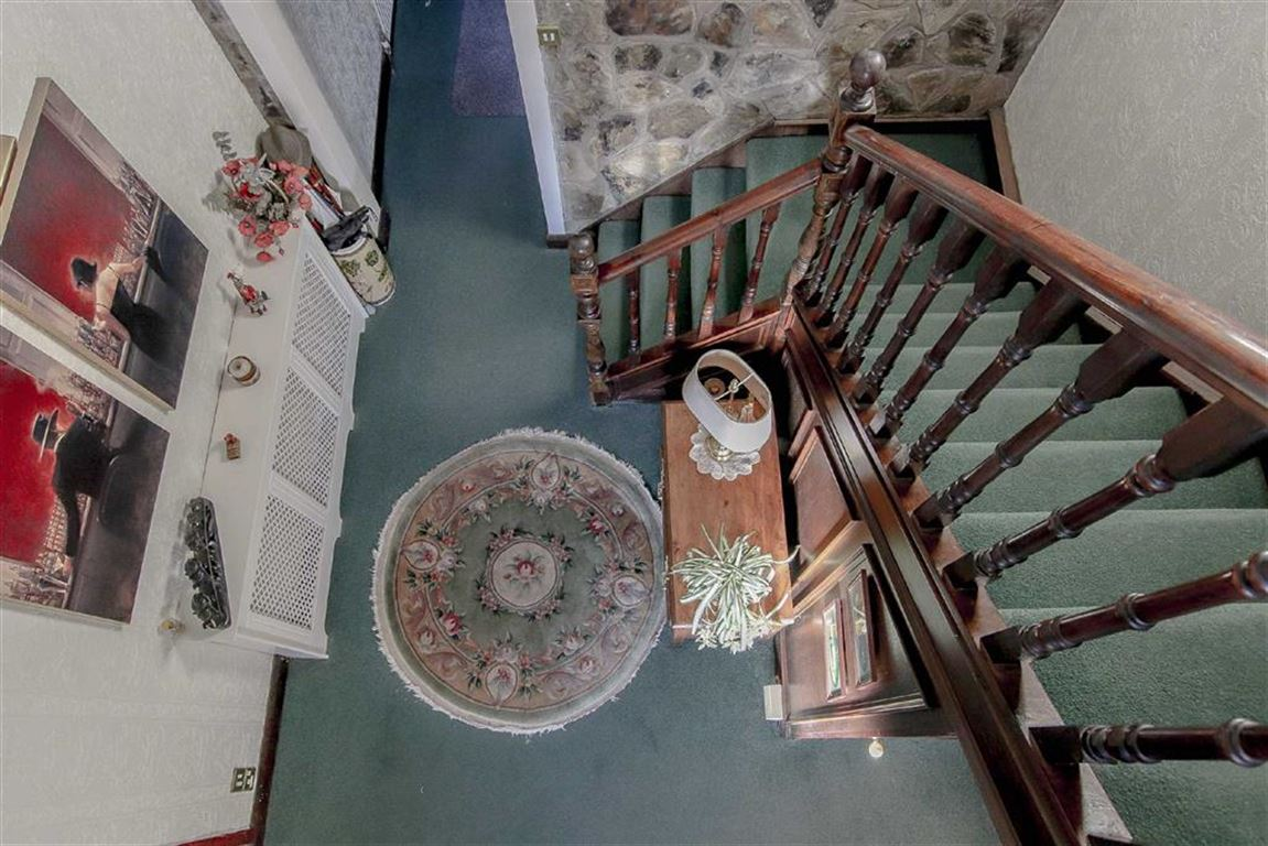 4 Bedroom Coach House For Sale - Image 24