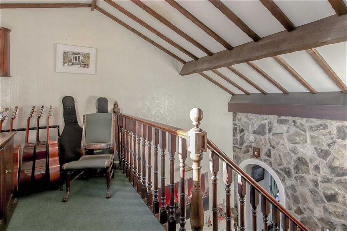 4 Bedroom Coach House For Sale - Image 25