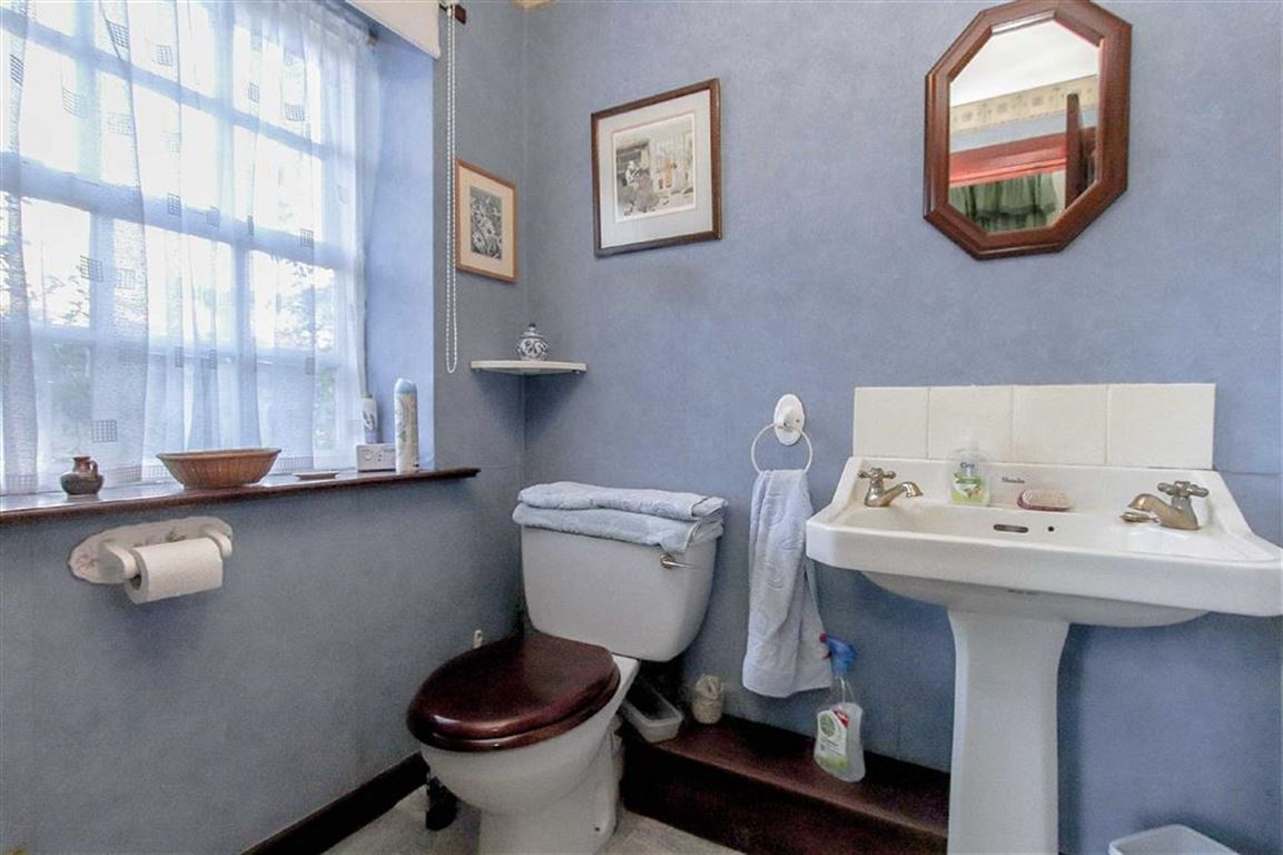 4 Bedroom Coach House For Sale - Image 21