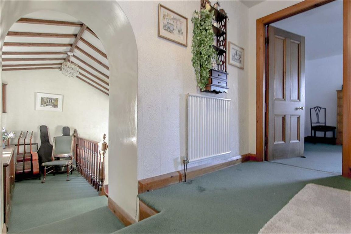 4 Bedroom Coach House For Sale - Image 6