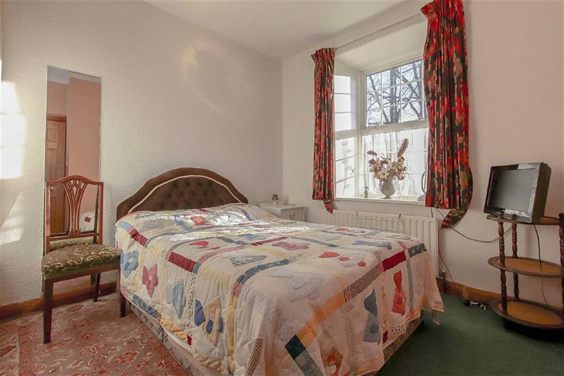 4 Bedroom Coach House For Sale - Image 10