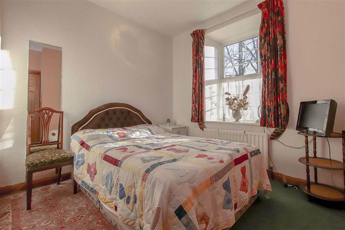 4 Bedroom Coach House For Sale - Image 11