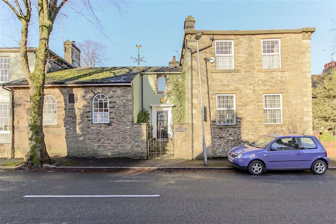 4 Bedroom Coach House For Sale - Main Image