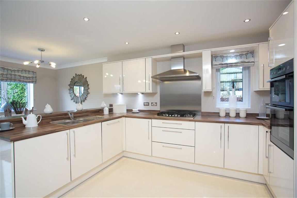 5 Bedroom Detached New House For Sale - Image 2