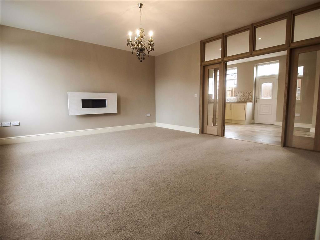 3 Bedroom Mid Terrace House For Sale - Image 2