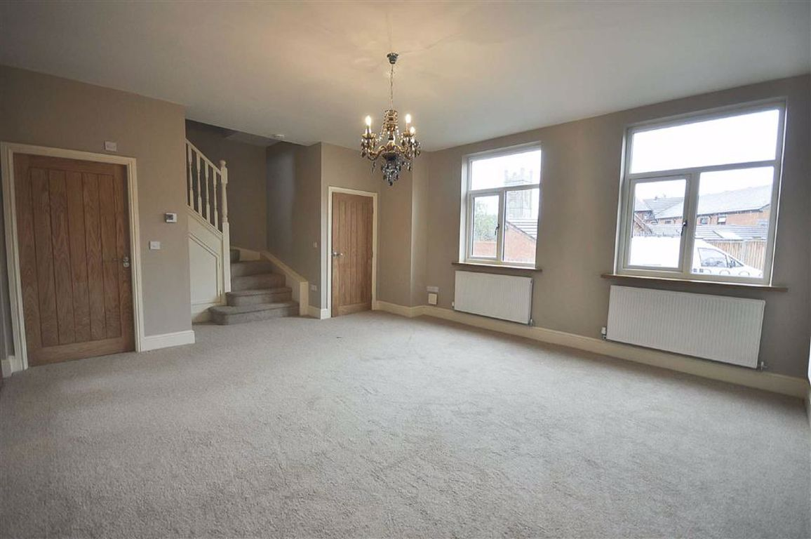 3 Bedroom Mid Terrace House For Sale - Image 4