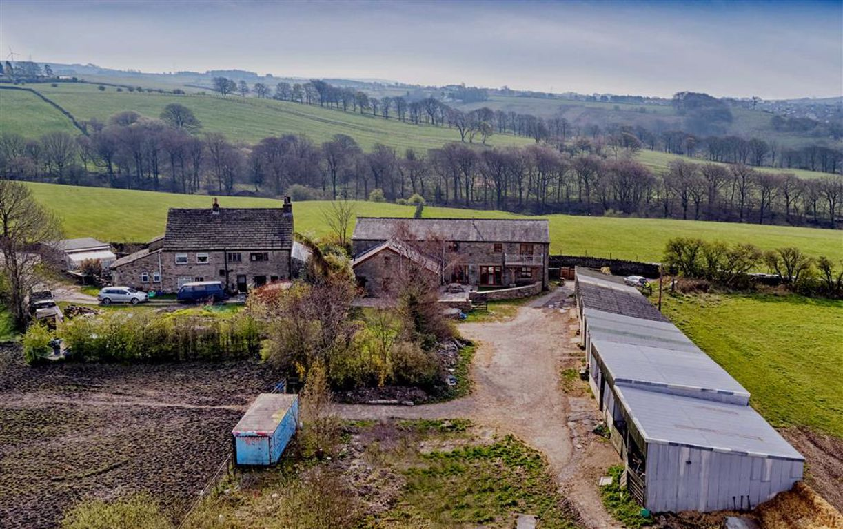4 Bedroom Barn Conversion For Sale - Image 2