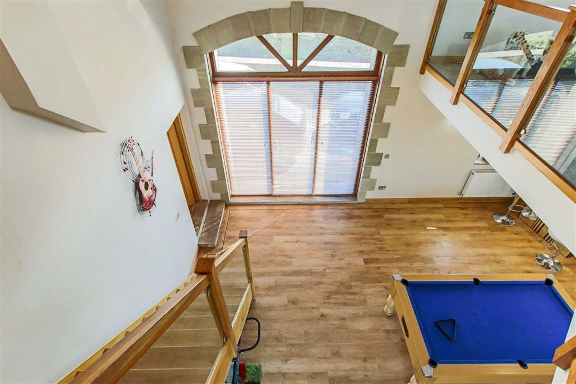 4 Bedroom Barn Conversion For Sale - Image 25