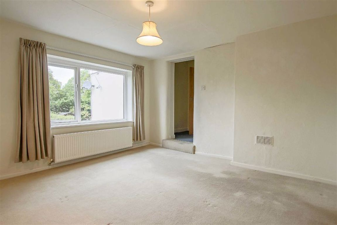 3 Bedroom Apartment For Sale - Image 14