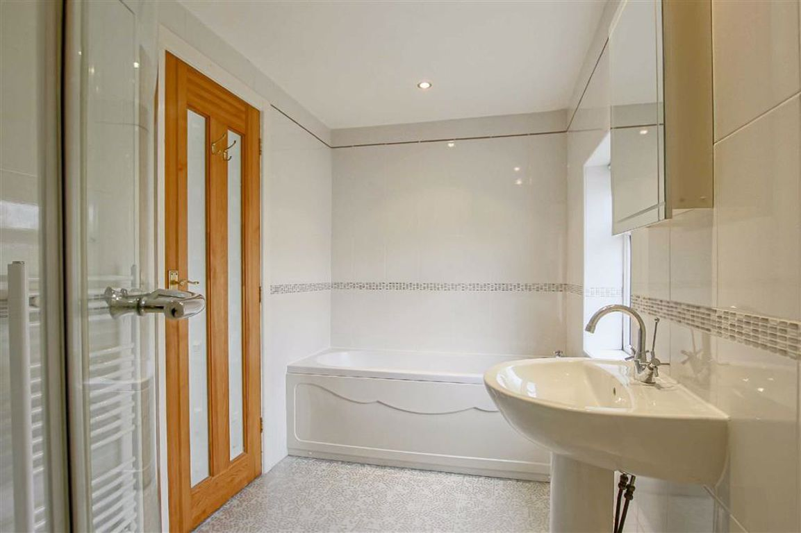 3 Bedroom Apartment For Sale - Image 12