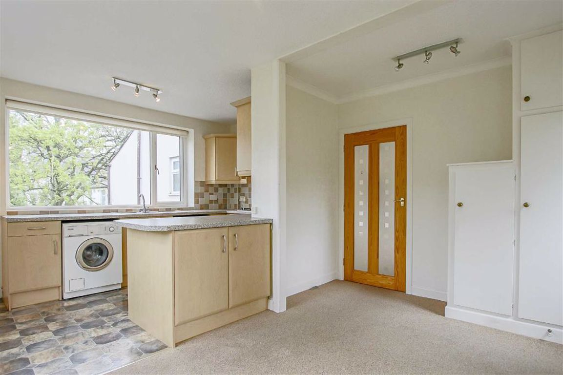 3 Bedroom Apartment For Sale - Image 10