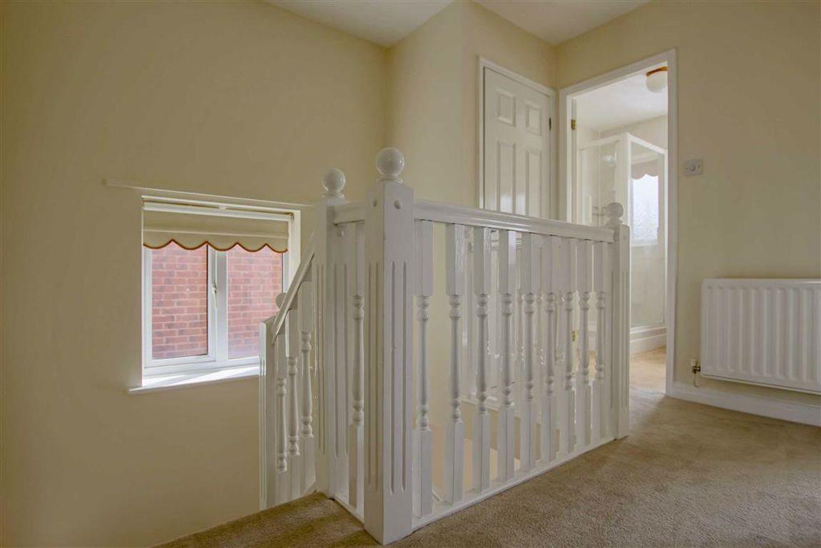 3 Bedroom Detached House For Sale - Image 19