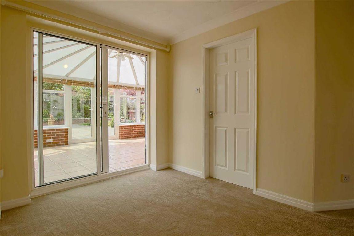 3 Bedroom Detached House For Sale - Image 15