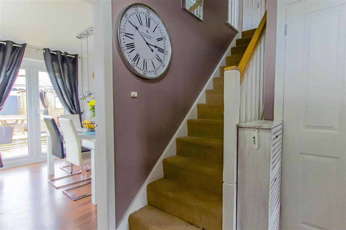 3 Bedroom End Terrace House For Sale - Image 18