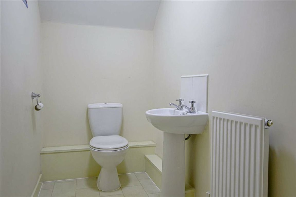 4 Bedroom Townhouse House For Sale - Image 11